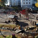 Grosser Spielplatz für Kinder