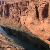 Colorado River unterhalb der Staumauer