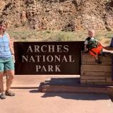 Broken-Arch-Trail-1